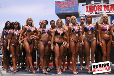 05 25 09  Muscle Beach International Bodybuilding Classic and Armed Forces Championships   www musclebeachvenice com  www venicepaparazzi com (8)