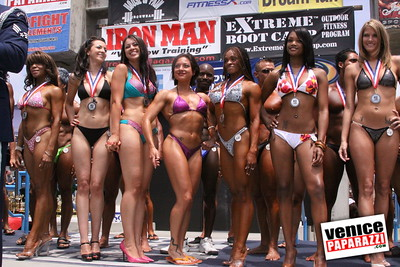 05 25 09  Muscle Beach International Bodybuilding Classic and Armed Forces Championships   www musclebeachvenice com  www venicepaparazzi com (11)