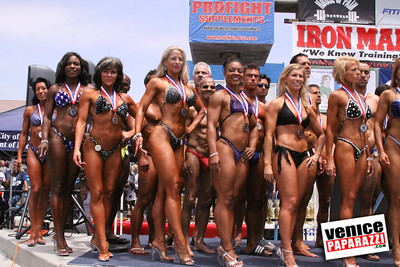 05 25 09  Muscle Beach International Bodybuilding Classic and Armed Forces Championships   www musclebeachvenice com  www venicepaparazzi com (5)
