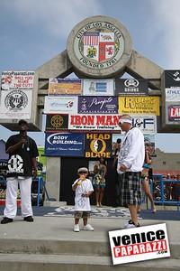 Venice Figure and Bodybuilding Competitions  Venice Beach California   www musclebeachvenice com (1)