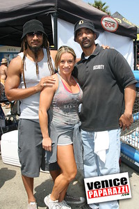 Venice Figure and Bodybuilding Competitions  Venice Beach California   www musclebeachvenice com (10)