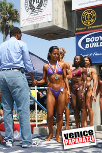 Venice Figure and Bodybuilding Competitions  Venice Beach California   www musclebeachvenice com (15)