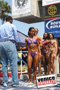 Venice Figure and Bodybuilding Competitions  Venice Beach California   www musclebeachvenice com (15)