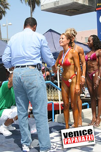 Venice Figure and Bodybuilding Competitions  Venice Beach California   www musclebeachvenice com (16)