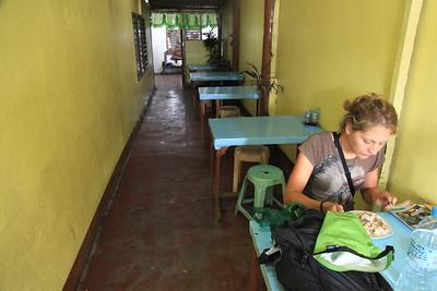 Obiadek w drodze do Sabangu
