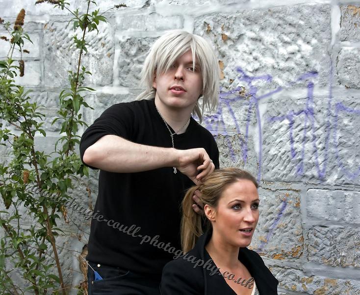 Leigh prepares Ilaria for her scene