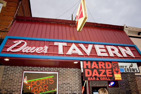 Dave's Tavern
