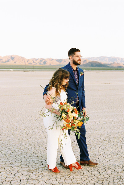 Unconventional Colorful Las Vegas Intimate Wedding / Kristen Kay Photography