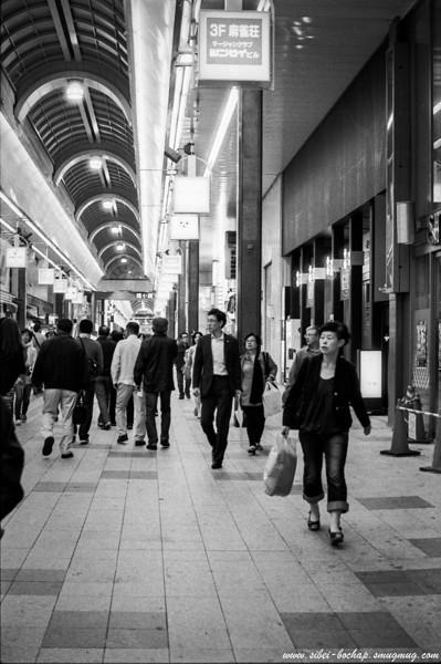 Fujifilm neopan pro 400 - Tanuki Koji at Sapporo.