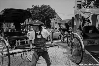 ilford 400 - trishaw man