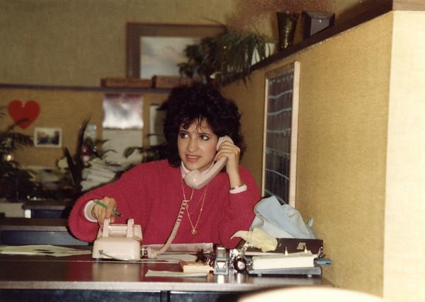 1987 12 10 - Sears Service Center 008