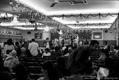 Saji's wedding (Portra Iso 400 (b/w)): lining up for pictures