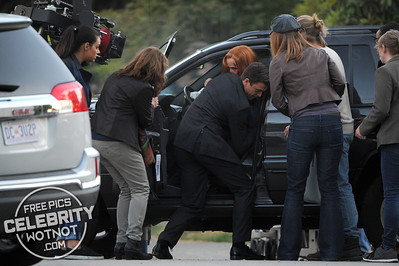 Scully Survives! Gillian Anderson Films A Car Crash Scene With Mystery Agent, Canada