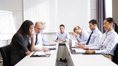 business-people-meeting-in-office-3-GKFU3R6