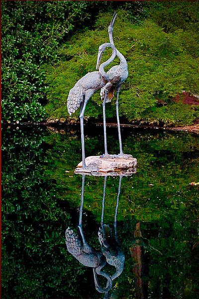 Swan statue DG copy