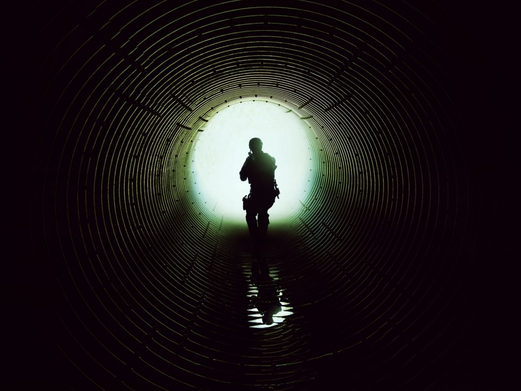 Nice tunnel silhouette.