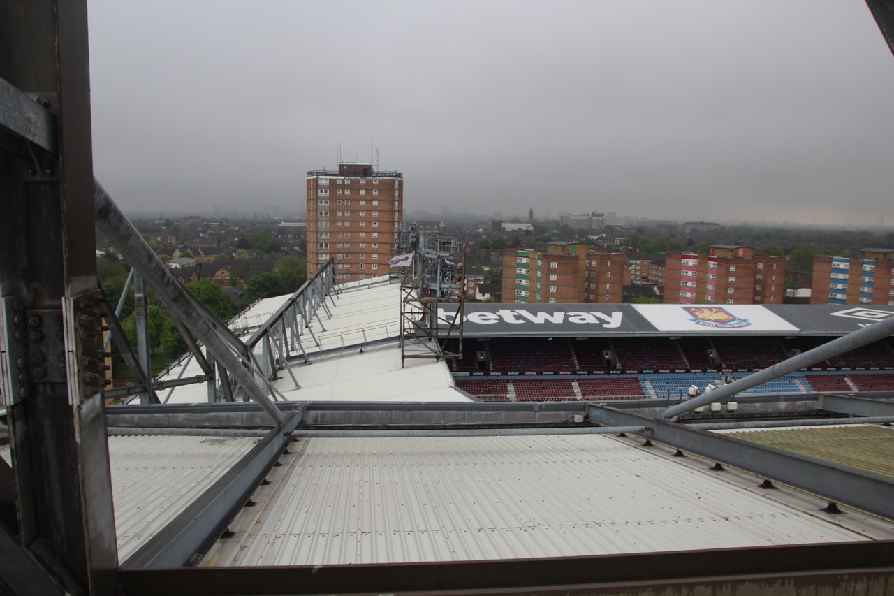 View over Centenary (North) Stand. Note there is no bridge connection between these two stands.