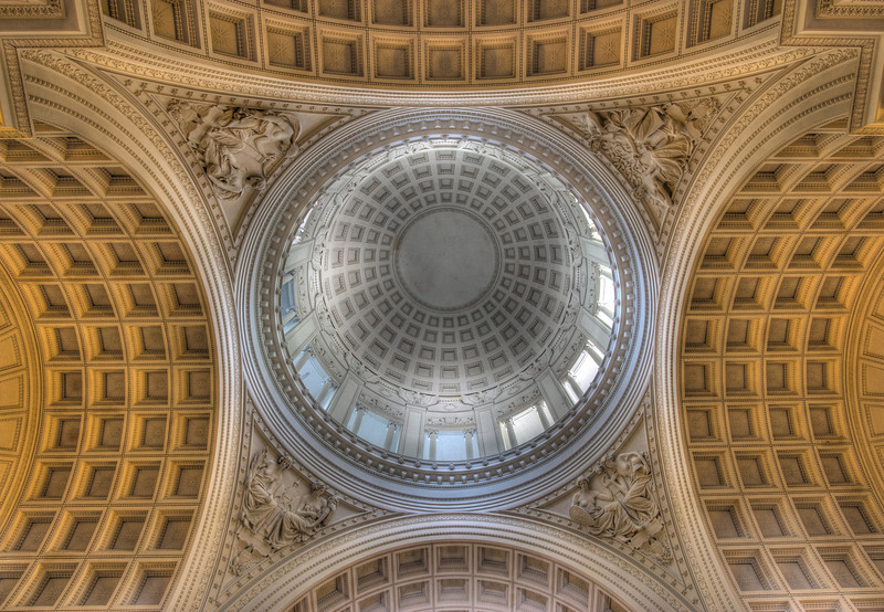 Grant's Tomb<br /> <br /> The interior is patterned after Les Invalides in Paris, where Napoleon rests.