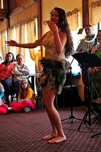 polynesian-dancing-009