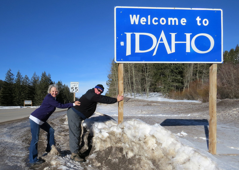 We are Welcomed again, in early 2014 to the state of Idaho. We had prviously passed through Idaho as we moved from Seattle Washington to Colorado in 2008 but were less active (and distracted!) by geocaching. We remedied the situation on this visit.