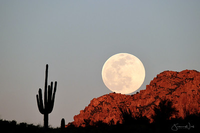 Feb 2020 Supermoon Rising Apache Leap Superior AZ