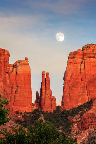 Moonrise Cathedral Rock Sedona