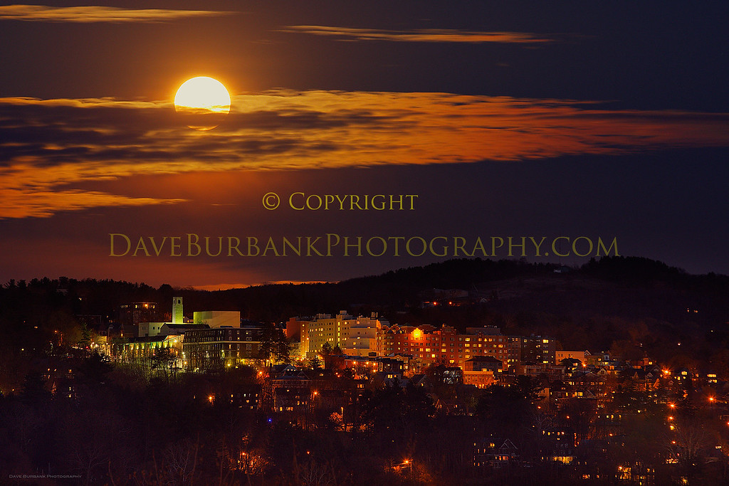full-moon-over-collegetown