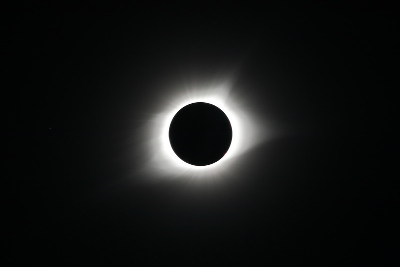 Totality: Single Exposure with Regulus