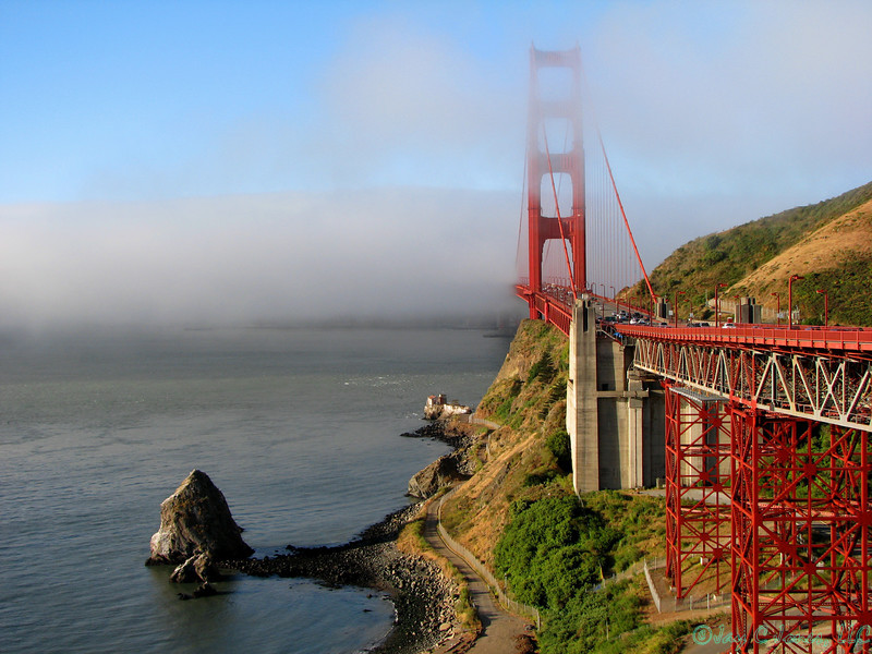 Golden Gate Bridge in San Francisco Bay, California