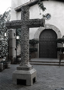 S153-2-11c Cross at Tlaquepaque MERGE