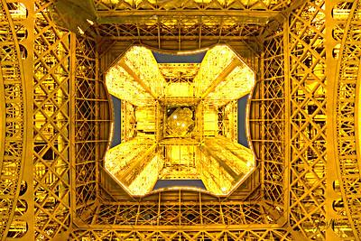 Eiffel Up!