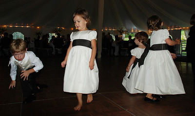 Small dancers at wedding.
