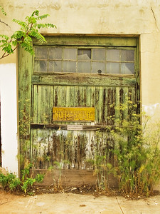 Arizona - Rustic garage door Jerome