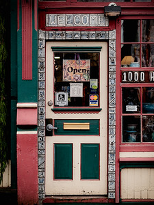 Good Earth Pottery, Bellingham (Fairhaven), Washington.