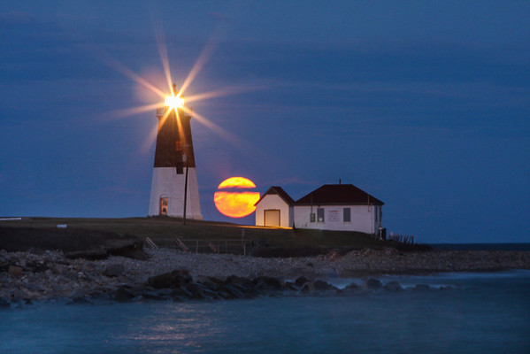 Perigee moon at Point Judith