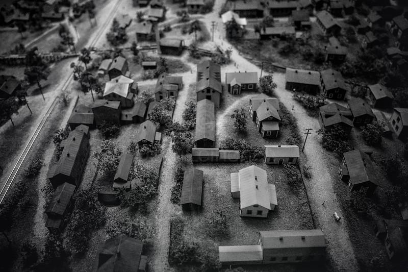Monochrome III (Houses)