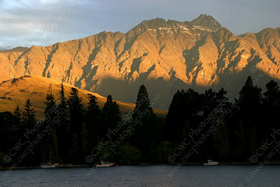 2180-Golden sun colors the mountains in Queenstown, New Zealand(8x12)