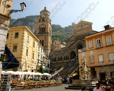 2024-A church plaza in Amalfi (8x10)