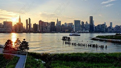 3100-The East River view of Manhattan