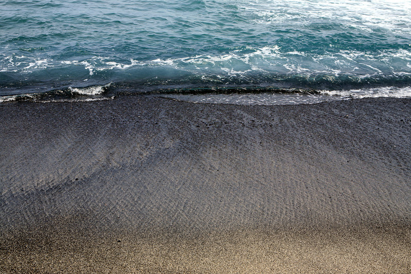 """""""Black Sand and Waves"""" Big Island, Hawaii  <br /> <br /> Images By Josh<br /> <br /> <br />   <a href=""""http://www.imagesbyjosh.com"""">http://www.imagesbyjosh.com</a>"""