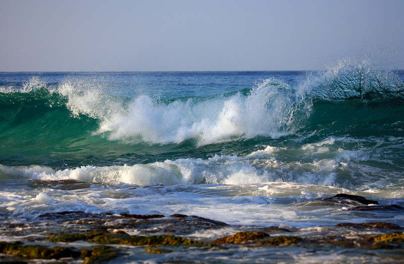 Kona_Hawaii_Waves_LaAloa_Beach_013111