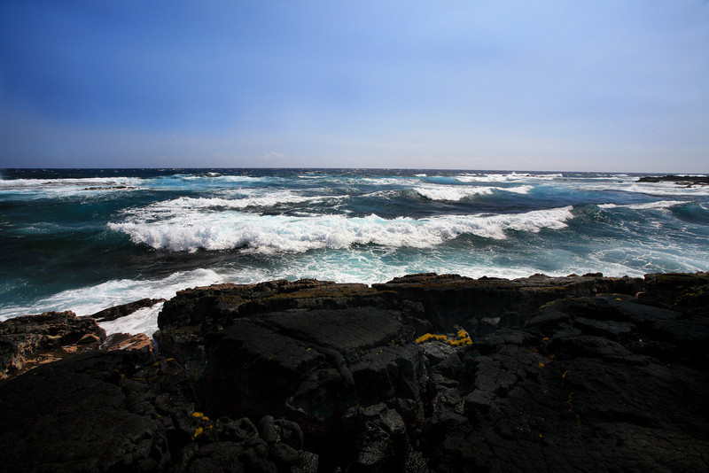 Hawaii_Black_Sand_Beach_Rocks_020111