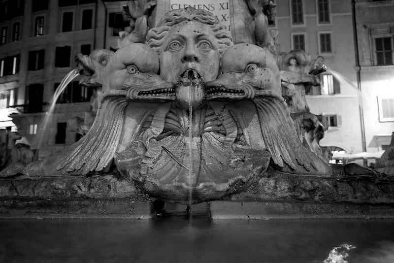 "Fountain in front of the Pantheon in Rome,       Images By Josh     <a href=""http://www.imagesbyjosh.com"">http://www.imagesbyjosh.com</a>"
