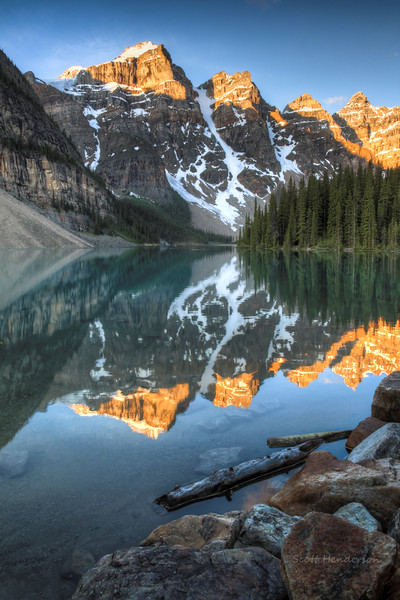 Sunrise on Moraine Lake
