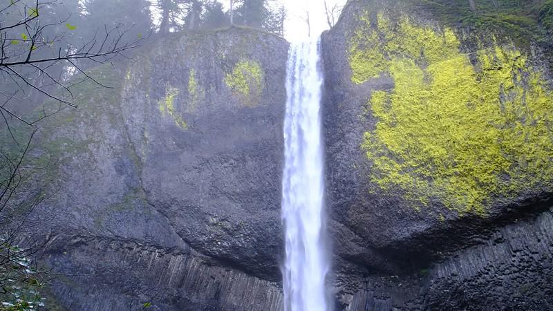 Latourell Falls 112717-15