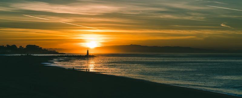 Walton Lighthouse at sunrise