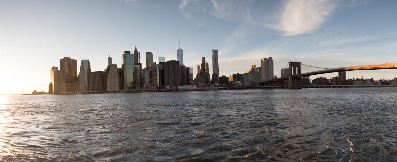 Panoramic of the Manhattan sklyine