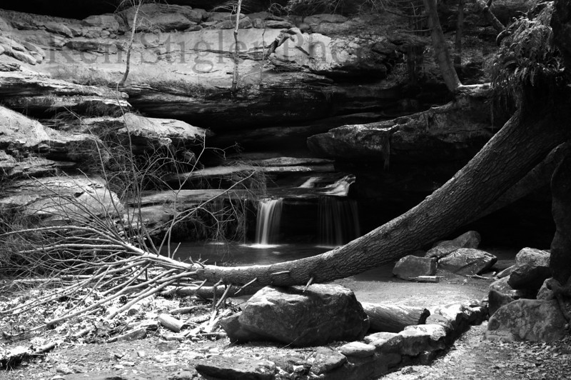 Hocking Hills water fall near Old Man's Cave