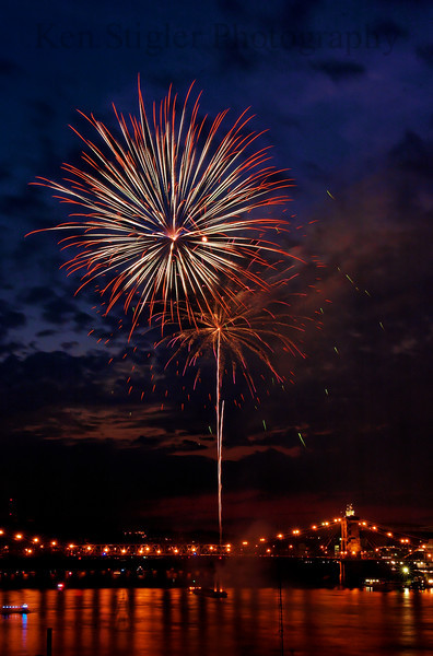 Fireworks during Tall Stacks 2006