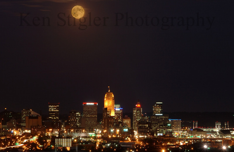 The Hunter Moon over Cincinnati from Western Hills